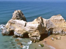 Felsformation-Algarven-(2)